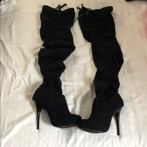 Thigh high suede boots Hartly, 6 Michael Antonio